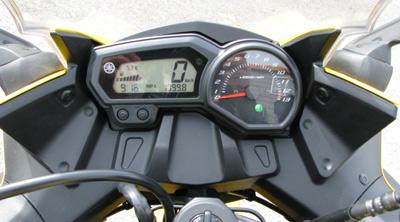 Yamaha-FZ6R-03