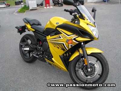 Yamaha FZ6R-02