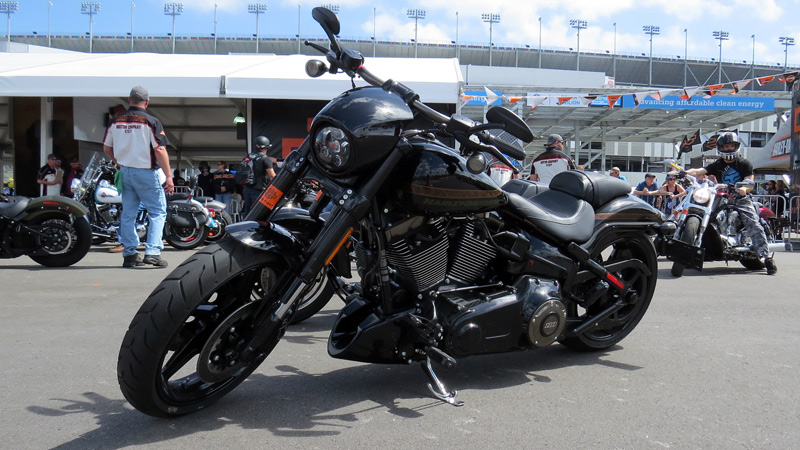 Essai Harley Davidson Breakout Cvo Pro Street